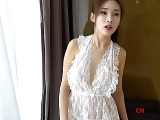 Chinese Model: Zhou Yanxi(周妍希) shows her sweet pussy for more videos