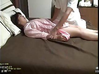 清纯妹妹偷情大意被拍床片 专业程度一点不输坐台小姐学学技术