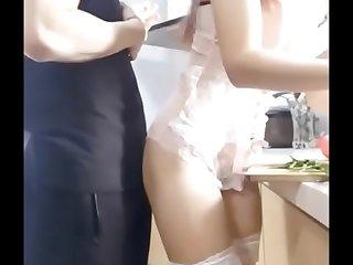 身材SEX高颜值网红靓女演绎约会帅哥到家里吃饭穿的太性感色男在厨房就搞起来干的尖叫说小骚逼草烂了对白淫荡