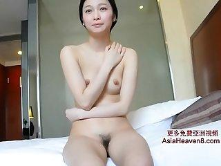 [中國/中国] 實況女模特給攝影師口交 >_>_ 更多免費亞洲視頻 AsiaHeaven8.com