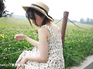 田园萌妹自己玩肉色丝袜
