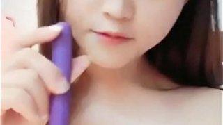 Super Cute chinese girl show cam !